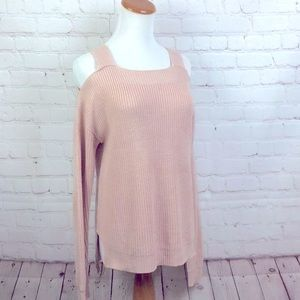Hooked Up. Pale pink Cold shoulder long sleeve sweater. XS